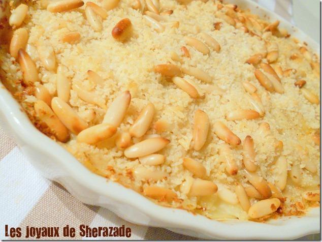 gratin de pommes de terre et croûte aux pignons