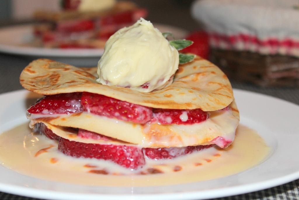 crepe-en-millefeuille-au-fraise-et-chocolat_2