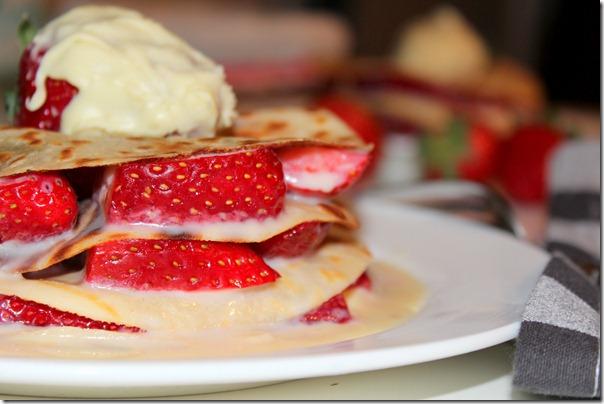 gateau de crepe au fraise chocolat blanc
