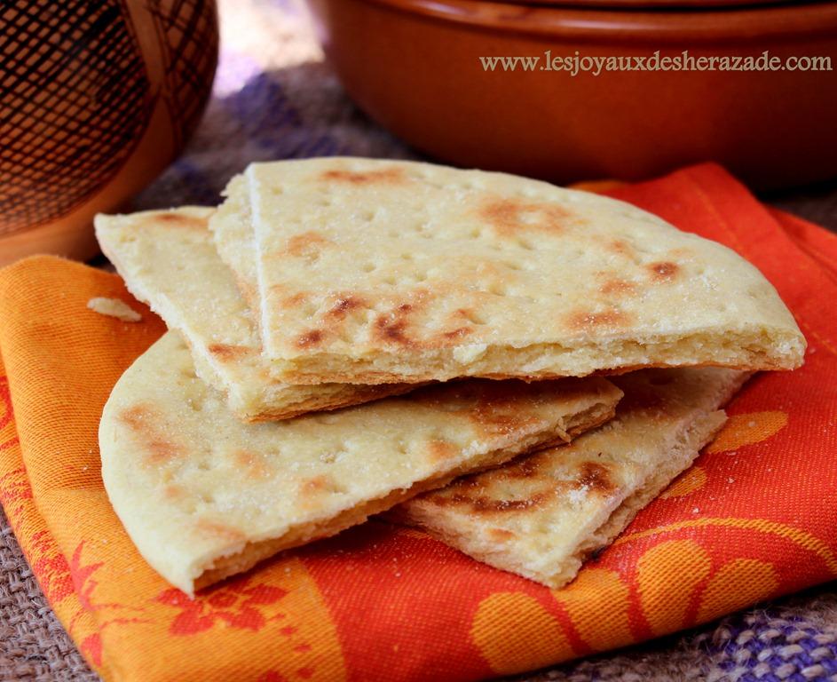 khobz-tajine-aghroum-pain-algerien-pain-pour-ramadan-p