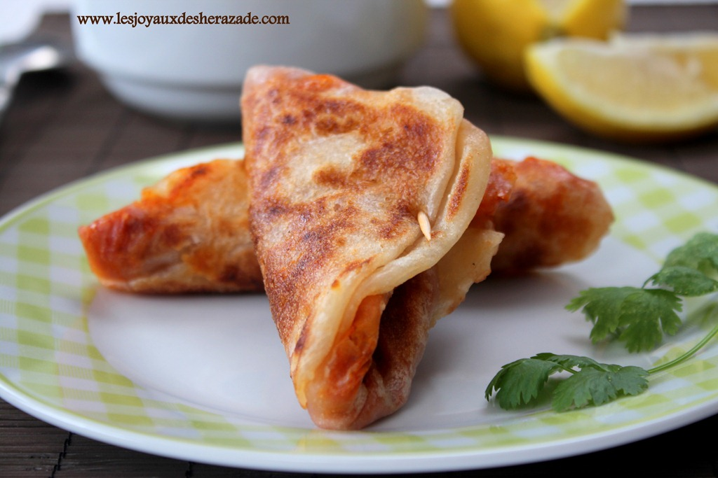 mhadjeb-cuisine-algerienne_2