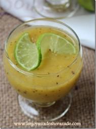 recette-de-smoothie-banane-poire-et-kiwi_thumb