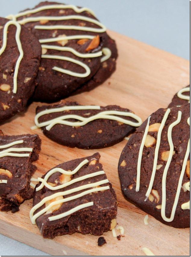 biscuits-au-chocolat-et-aux-noisettes_thumb