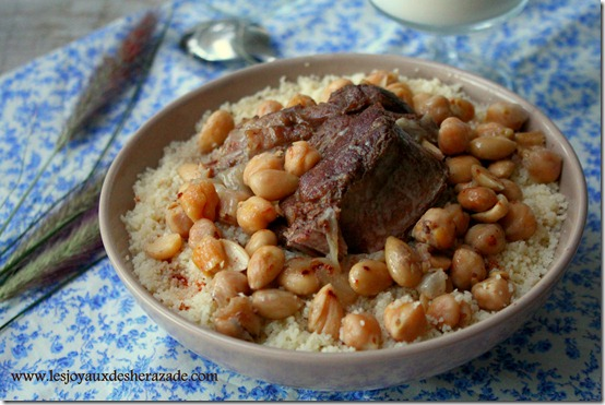 http://www.lesjoyauxdesherazade.com/wp-content/uploads/2013/03/couscous-algerien_thumb.jpg