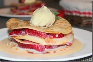 crepe en millefeuille au fraise et chocolat