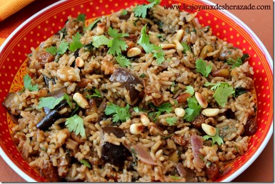 Riz pilaf , recette de pilaf au safran et aux noix