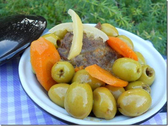 Tajine marocain à la viande, aux olives et citrons confits