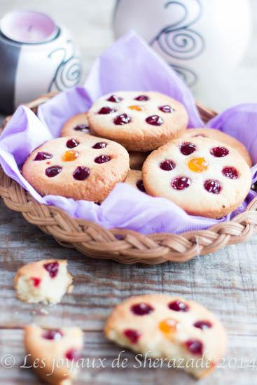 biscuit aux amandes et à la confiture