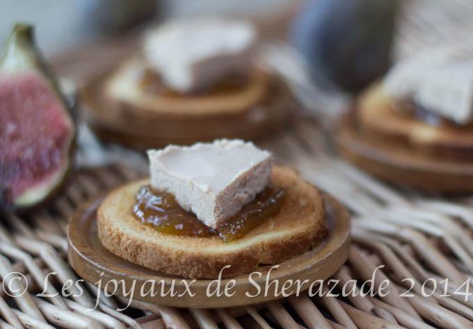 Toast de foie gras sur chutney de figues