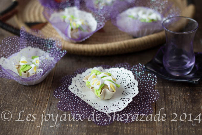 Gateaux de fete de benbrim - Decoration gateau traditionnel algerien ...