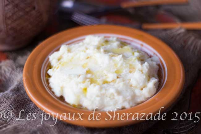 Purée de pommes de terres algérienne – (Ayerni)