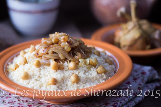 Couscous au poulet et raisins secs de Tlemcen - (Tâam b zbib)