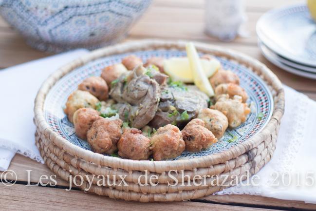 Tajine algérien de beignets de viande hachée en sauce blanche - (Mechmachia)