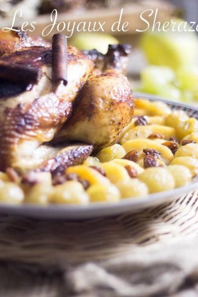 poulet rôti aux pommes et aux raisins