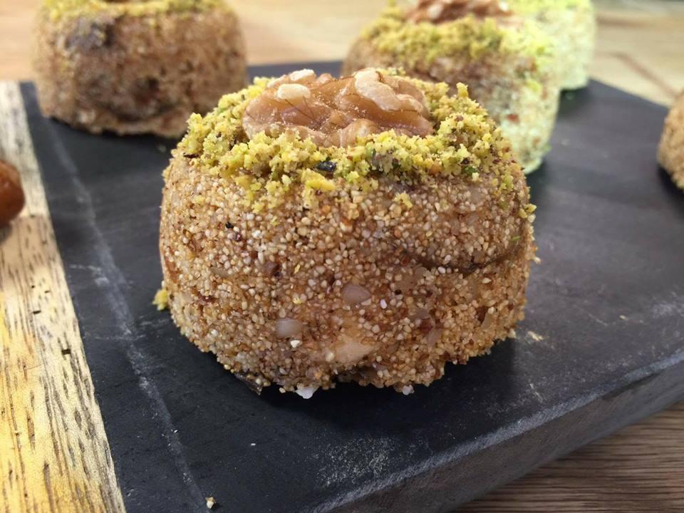 Hrissa Hlouwa, gâteau de semoule tunisien
