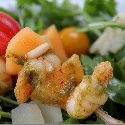 Salade composée / brochette melon-crevette