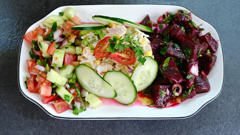 Trois idées de salade: concombre / betteraves / riz macédoine